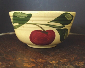 Watt Pottery Apple w/ three leaves #6 Bowl