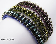 English pattern for the Caterpillar bangle with O beads, superduo beads and fire polished beads