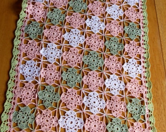 Vintage Table Runner Hand Crocheted Colorful Table Runner Doily Flowers Green Peach Pink White Country Cottage Farmhouse