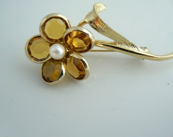 Sarah Coventry Flower Pin  Unique vintage, antique, costume and estate jewelry.