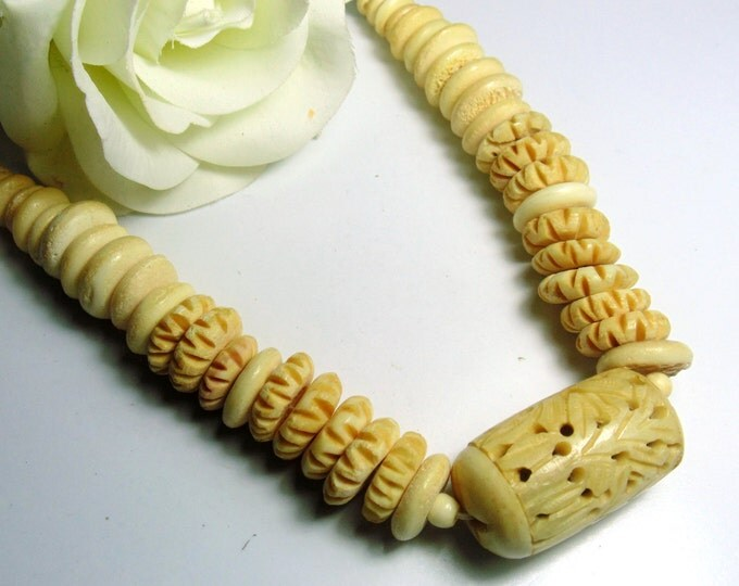 Vintage Large Heavy Carved Bone Necklace ~ FREE SHIPPING