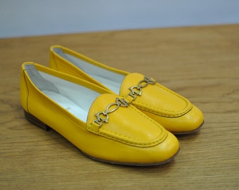 Vintage BRUNO MAGLI ladies leather shoes , yellow leather shoes....