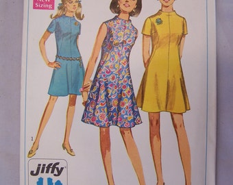 Vintage 1960s 1968 Simplicity Sewing Pattern Mod Junior Petite Dress Size 13 Bust 35