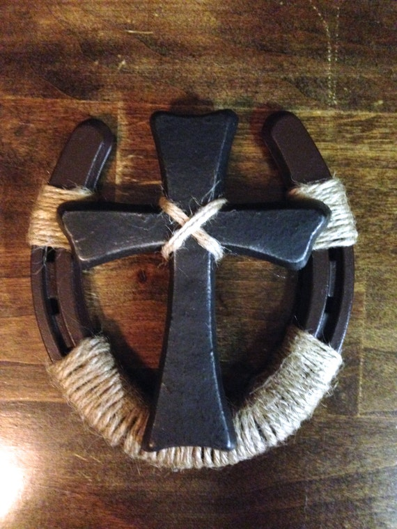 Horseshoe wall decor with cross by backhomecountryacres on for Where to buy horseshoes for crafts