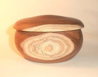 Lidded pot/box