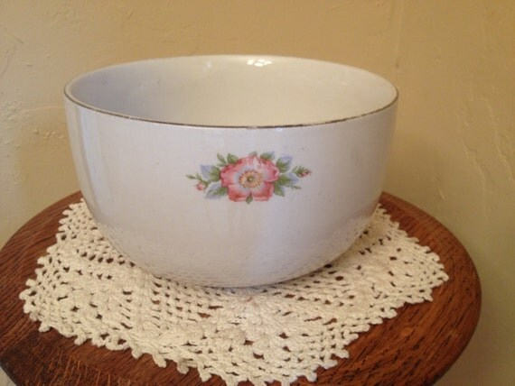 Vintage hall 39 s kitchenware rose parade mixing bowl for Sur la table mixing bowls