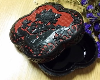 Vintage Chinese Cinnabar carved flower jewelry box, Hand Made in China