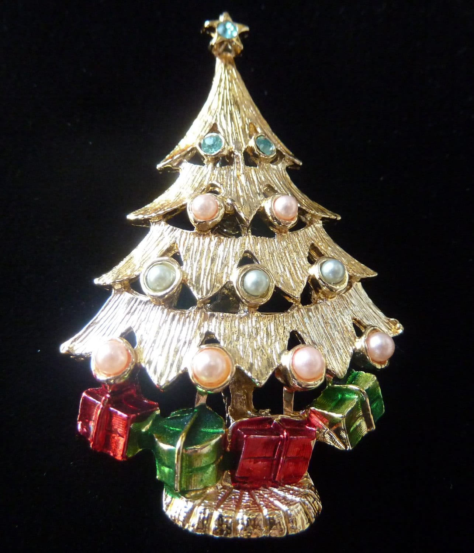 Vintage Christmas Tree: Vintage Christmas Tree Pin Pearls Rhinestones Enamel TRUE