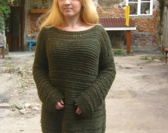 Knitted women's dark green sweater. Loose knit sweater. Oversized sweater. Long sweater.