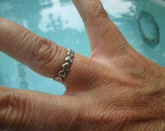 Sterling Hearts Band Ring Size 5.25