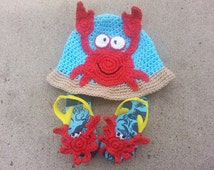 Toddler Boy Size 1 to 3 years Crochet Crab Hat With Matching Old Navy Crochet Crab Embellished Flip Flops Size 6 Toddler