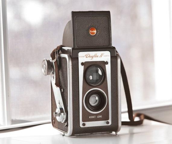 Kodak Duaflex IV with Kodet Lens by Eastman Kodak -  vintage camera - twin-lens reflex camera - Film photography