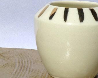 Ceramic vase | Hand painted with gold lustre | Wheel Thrown | Bud vase | Porcelain |