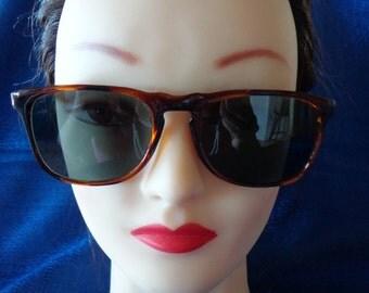 Vintage Small Unisex Brown Tortoise Sunglasses