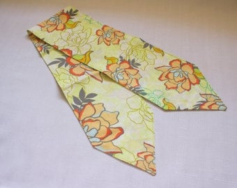 CLEARANCE - Headscarf, Vintage style, Yellow/Lime Green Floral