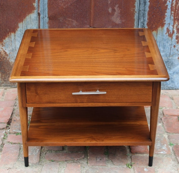 Vintage lane acclaim square side table walnut mid century for Retro side table