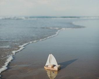 Single Mini Toy/Photography Prop Sailboat