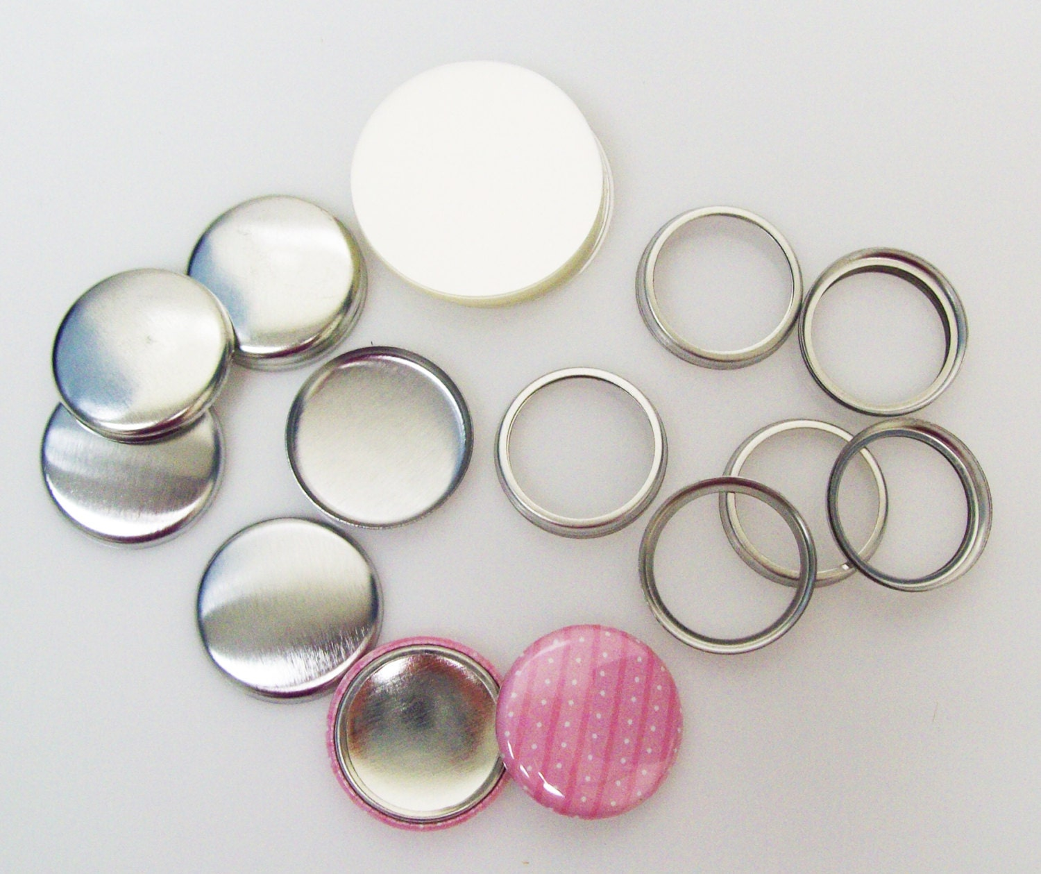 how to make pinback buttons without a machine