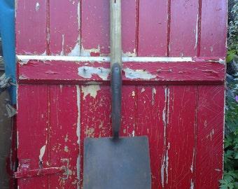 Ladies vintage heart shapped garden spade by foxy.