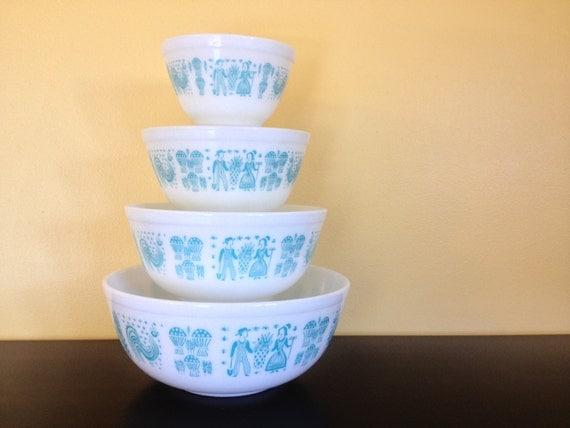 FULL SET Vintage Pyrex Amish Butterprint 4 pc Mixing Bowl Set