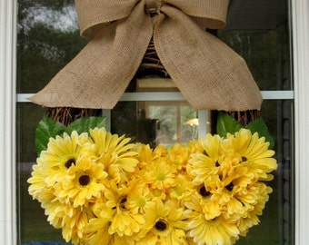 Yellow Daisy Wreath w/ Burlap Bow/ Spring/ Summer/ Rustic Wreath/ Country Charm Decor