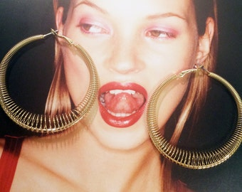 Geometric coil hoop earrings