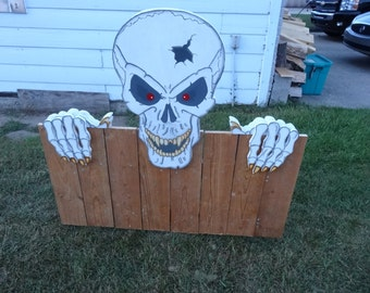 Hand Custom Made/Painted Large Scary Skull fence Hanging For Halloween