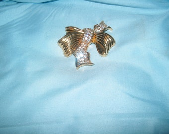 Swarovski Swan Signed Crystal Bow Brooch Pin, Vintage Costume Jewelry, WAS 60.00 - 25% = 45.00