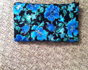 Blue flower quilted coin purse