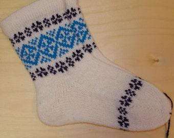 Children Lambswool socks, white with pattern.