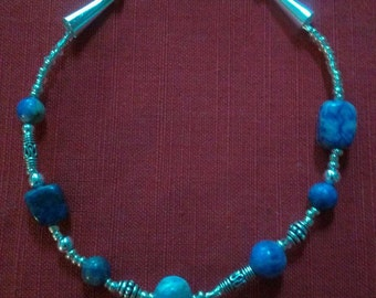 silver springs: stone bead anklet featuring sodalite, silverplate filgree, and silver glass beads