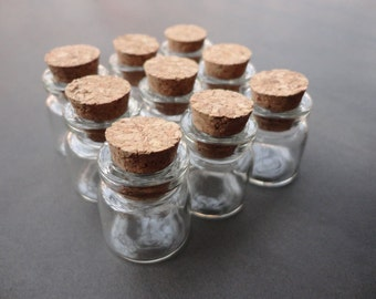 50pcs clear glass bottles with corks 25x22mm--OC3038-50