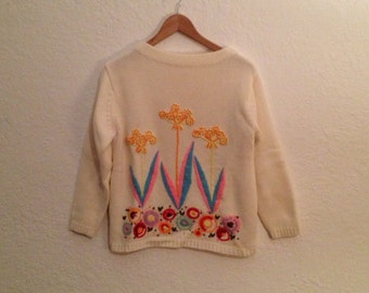 Cool 1970s vintage  boatneck embroidered sweater.  women's small-medium