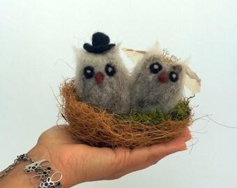 Owl wedding cake topper Felt animals nest cake topper Owl couple Lovebird Rustic wedding Birds in love Groom and bride owl pair in nest