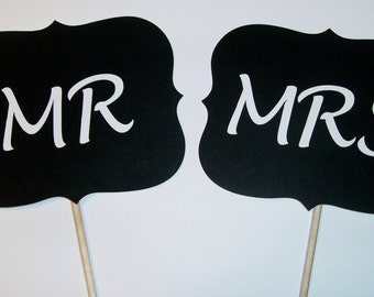 DIY Mr and Mrs Photo Booth Prop (2062D)