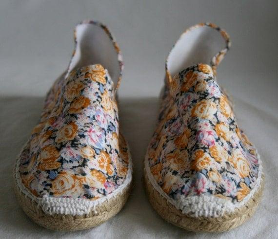 Alpargatas / zapatillas / calzado / zapatos /espardenyes de esparto, decoradas con tela estampada