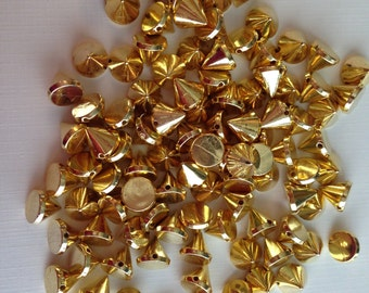 100 pc 9 mm 9 mm Cone Gold Acrylic SEWING Flatback ConIcal Spikes and Studs Jewelry