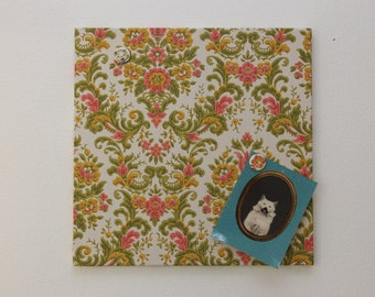 Magnetic board  in baroque pink and yellow flower vintage wallpaper