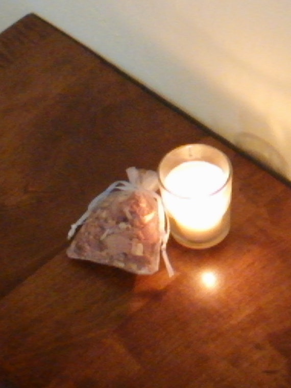 Votive Candle & Cedar Shavings