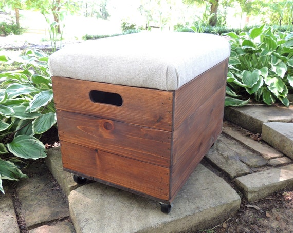 Rustic Cedar Wooden Crate With Casters Ottoman Foot Stool