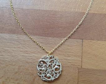 Matte gold filigree round pendant necklace