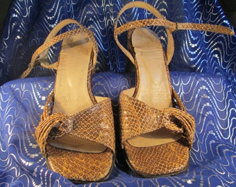 8 will fit 8.5 imitation snakeskin genuine leather strappy heels vintage 1970's sandals vintage shoes