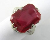 Antique18 Karat White Gold Synthetic Ruby Ring