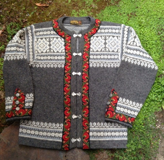 Score Norwegian Sweaters 5