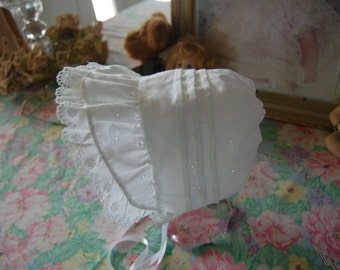 White Eyelet, Scallop-Trim Baby Bonnet