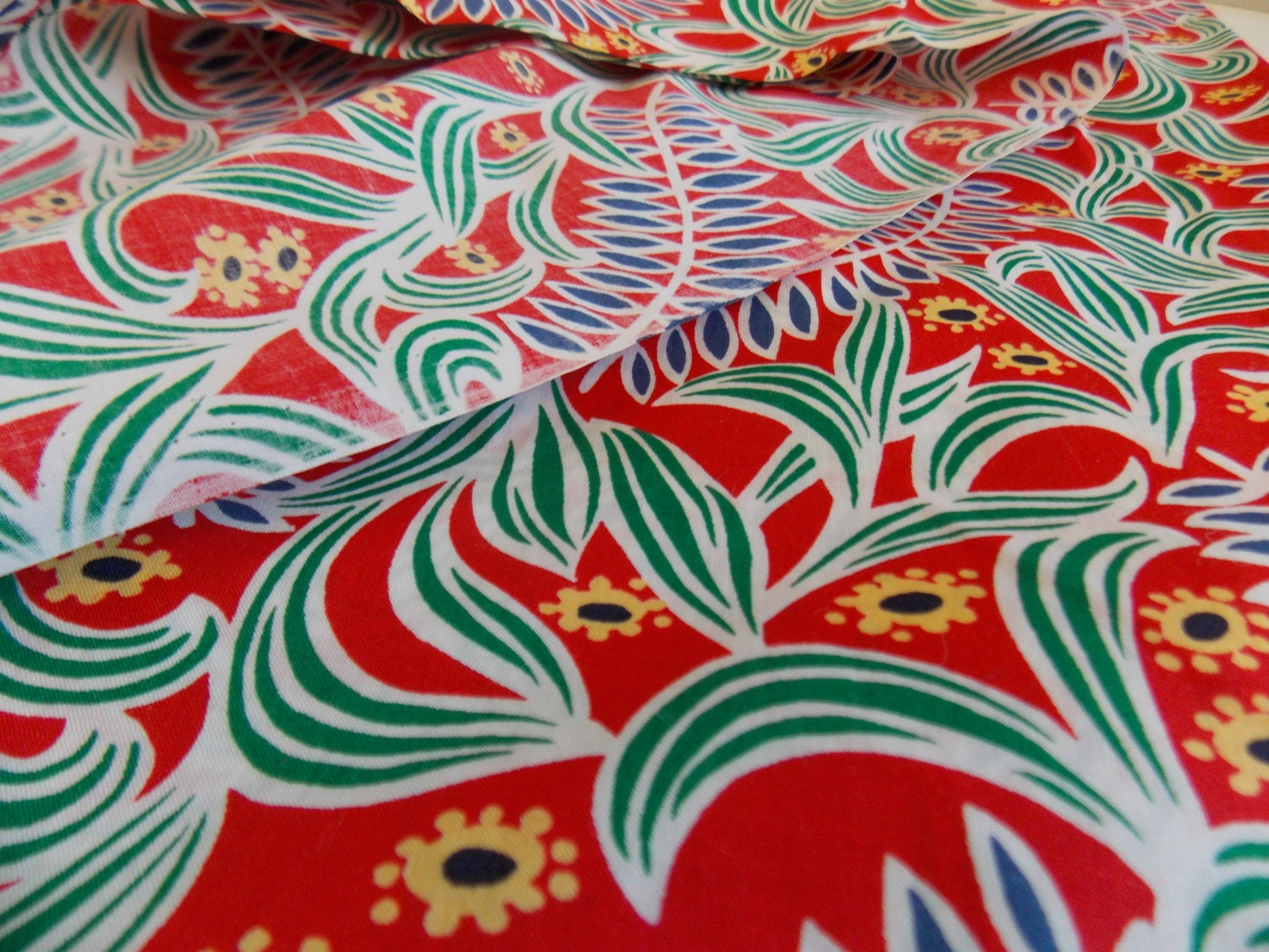 Exotic Cotton Print Fabric With Bold Red By