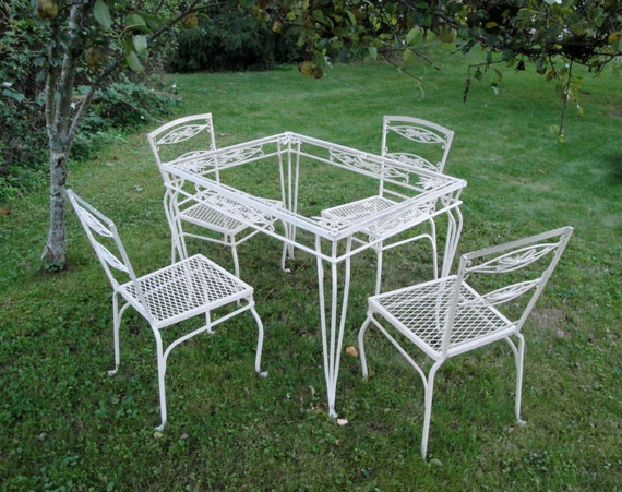 vintage wrought iron salterini willow table and four chairs