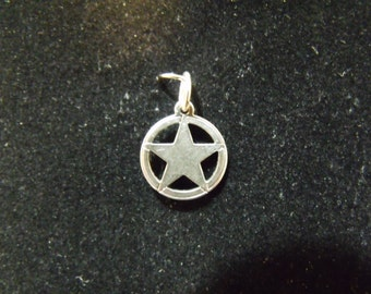 Sterling Silver Small Texas Star Charm/Pendant  - .925  1.0 grams
