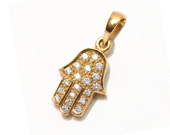 18k Yellow Gold Diamond Hamsa Pendant