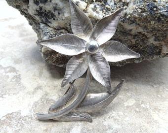 Rancho Alegre ~ Vintage Taxco Sterling Silver Flower Brooch